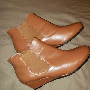 Shoes - Women's ankle Booties cognac color Jessica London